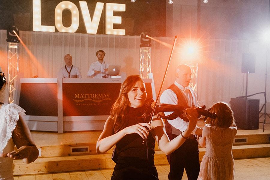 dj and violinist live