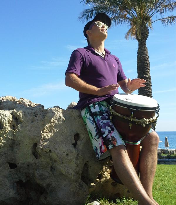 Domino Drummer