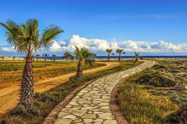 coastal-path-2199493_640